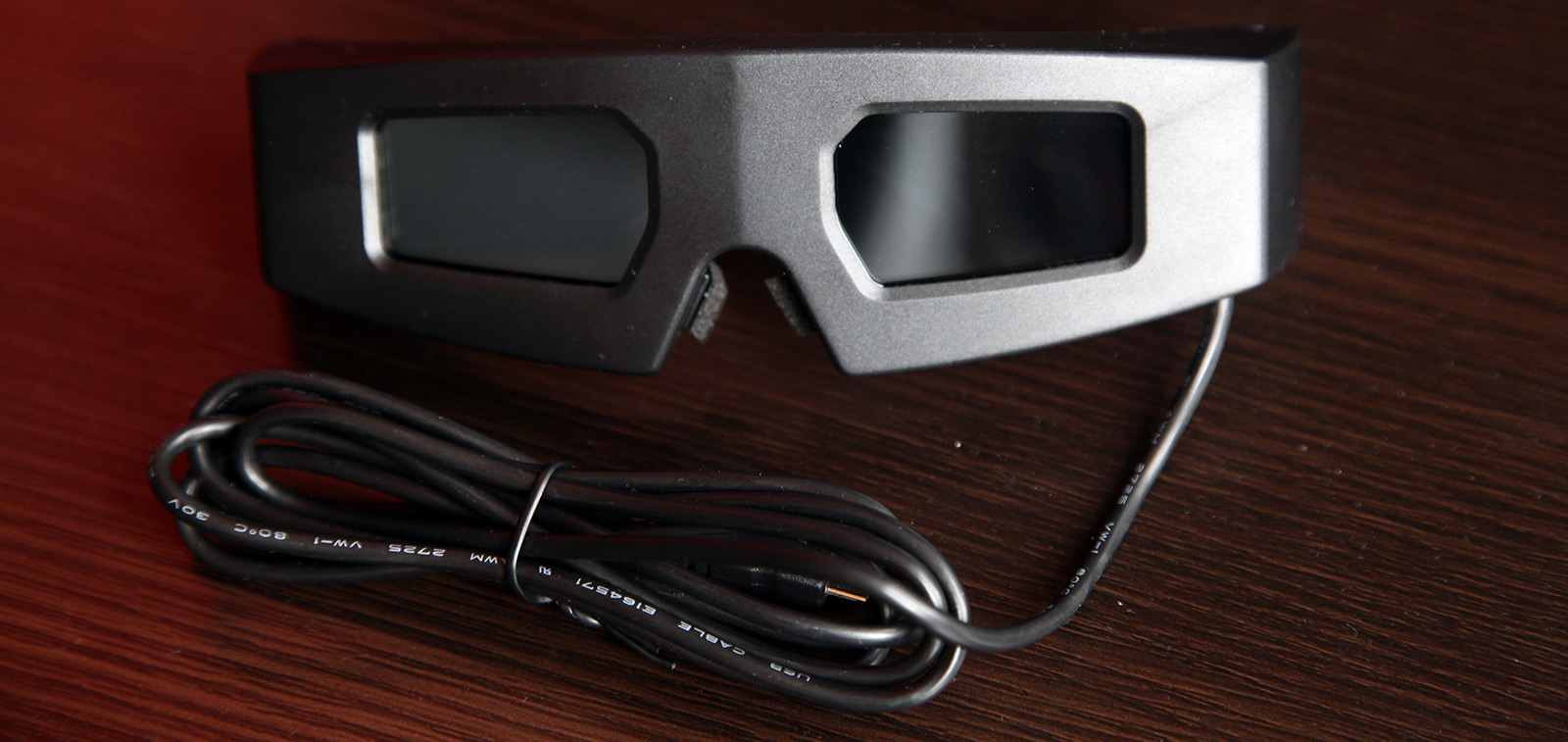 Build Your Own 3D Shutter Glasses Controller for Field Interlaced Stereoscopic